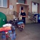 Obecní úřad Mezholezy - zatímco strejcové rokovali, tajně jsme si načepovali vodu :-)