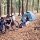 První noc v lese - Markétě se ze spacáku moc nechce