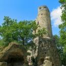 Zřícenina skalního hradu Valečov