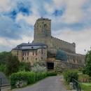 V neděli vyrážíme autem nejprve na prohlídku hradu Kost