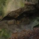 Adamovo lože (jsou tu i fotky, že to dříve vypadalo opravdu jako gauč, lidi ho trochu ošoupali)