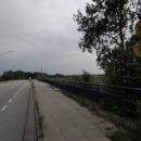 Tyhle cedule jsme vídali na mostech v Kosovu, netuší někdo, co znamenají?