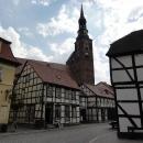 Jde o opravdu skvostné město s nádhernými starými dřevěnými domy a několika kostely.