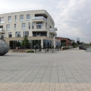 Nábřeží Magdeburgu s moderními domy