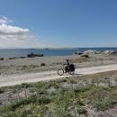 Kamenitá cesta po pobřeží