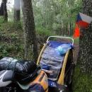 S vozíkem jsem v jednom místě uvízla mezi stromy a chvíli trvalo, než jsem vozík vyprostila.