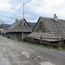 Veľké Borové je úžasná vesnička plná dřevěných domků.