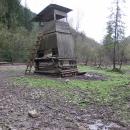 Poslední den se Luděk s Víťou vydali najít kešku k místní oboře s divokými prasaty. A pak už nám jel bus do Ružomberku.