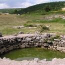 U náhrobků bylo i několik studní