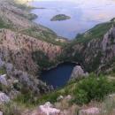 Jezero Galipovac je také bývalou propadlou jeskyní