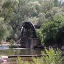 Zavlažovací kolo na Buně tlačí vodu do vyprahlé mostarské pláně
