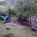 Nocleh v Bosně u řeky