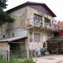 Dům rodiny Kolarevů - z jejich zahrady se tunel vykopal