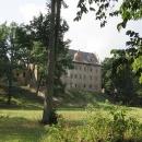 A připomínáme si návrat z Polska v roce 2009. Ruiny zámku v Gorzanově