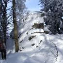 Z jednoho z vrcholků Kuní hory by měl být výhled, na skalisko se ale raději nedereme