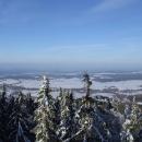 Výhled z Kraví hory do širých rovin jižních Čech