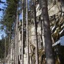 Kolmé stěny pod hradem Sokolčí jsou vyhledávány horolezci