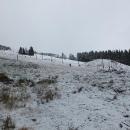 Sjezdovky v Peci na svou porci sněhu ještě čekají, byť vodní děla už chrlí sníh