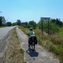 Kdepak cyklostezka, poslední náznak komunikace pro cyklisty skončil s hranicí Běloruska.