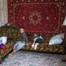 Koberce na stěnách, místní styl (i v Rusku to tak bývá zvykem)