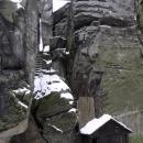 Vchod do Drábských světniček - přes zimu se vstupné nevybírá