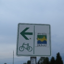 První cedulka Deutsche Donau Radweg. Tak hurá po Dunajské cyklostezce!