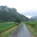 Tuto trasu řadíme k nejhezčím úsekům celé Dunajské stezky, bohužel ji víceméně celou jedeme v dešti.