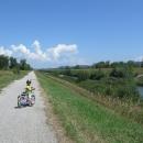 15 km cyklostezka mezi Piešťany a Novým Městem nad Váhem