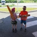 Děti spokojené s bagetami