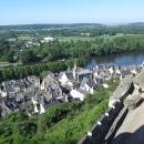 Výhled z hradu na městečko. Zaujala nás jednotná barva střech.