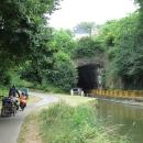 Doubs - kanál pro lodě, cyklostezka vede okolo