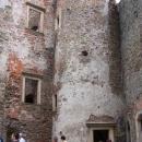 Na jednom z hradních nádvoří