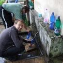 Před cestou je potřeba doplnit tekutiny – pramen Chochoľanka