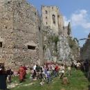 Na hradě probíhají středověké slavnosti
