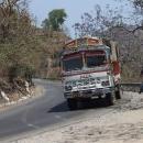 Indické náklaďáky jsou nádherně zdobené