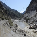 Ze stavby přehrad je na cestě jen samé blátíčko nebo prach