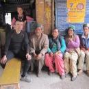 U nepálského občerstvení jsme jak doma o to přátelštěji si povídáme