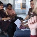 Požádali jsme naše spolucestující, aby nám napsali indicky pozdrav domů
