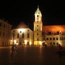 Noční projížďka slovenským hlavním městem.