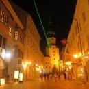 Zajímavé nasvícení ulic zeleným laserem... (?)