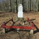 V 19. století tu byl p. Čermák pochovaný i s rodinou, a od té doby se tomu tady říká Čermákova louka