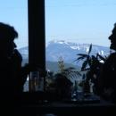V chatě Sůkenická se zastavil na obědě (výhled z jídelny měl jedinečný!)