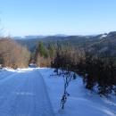 Uf, tenhle kopec včera Luděk sjížděl za tmy. Sníh je po noci pěkně zledovatělý.