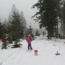 Tak se raději vracíme. Sníh mizí doslova před očima a do chaty se vracíme totálně promočení.