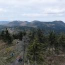 Pohled zpět na polské kopce. To napravo je Waligora a za ní někde chata Andrzejowka.