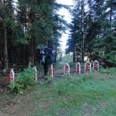 Tyhle hraniční nesmysly jsme potkali v roce 2004 v Bílých Karpatech mezi Čechami a Slovenskem. V roce 2012 nás šokovaly mezi ČR a Polskem.