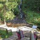 Karlova Studánka - první vodopád se nachází hned kousek od zastávky autobusu (resp. od parkoviště)