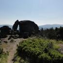 Kamenné okno - skalní útvar na hřebeni s překrásným výhledem