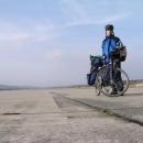 Já a dva a půl kilometru dlouhá přistávací dráha - ideální projížďka