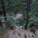 Shlížím do Terčina údolí ze skály nad vodopádem